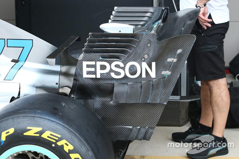 Detalle del alerón trasero del Mercedes AMG F1 W09