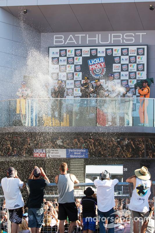 Podium: race winners Shane van Gisbergen, Alvaro Parente, Jonathon Webb, Tekno Autosports, second place Rick Kelly, Katsumasa Chiyo, Florian Strauss, Nissan Motorsports, third place Steven Kane, Guys Smith, Matt Bell, Bentley Team M-Sport