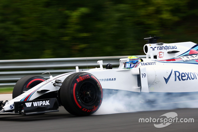 Felipe Massa, Williams FW38 locks up under braking