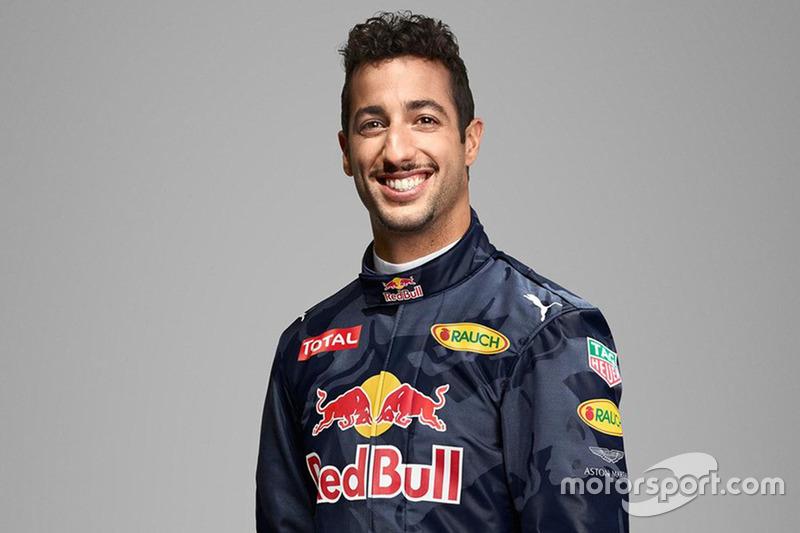Daniel Ricciardo, Red Bull Racing mit Aston Martin - Logo