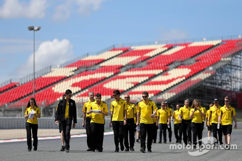 Jolyon Palmer, Renault Sport F1 Team, mit Esteban Ocon, Renault Sport F1 Team, Testfahrer