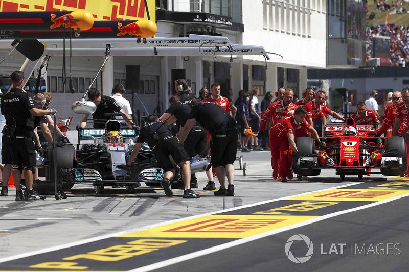 Боліди Льюіса Хемілтона, Mercedes AMG F1, Себастьяна Феттеля, Ferrari