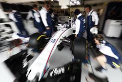Lance Stroll, Williams, in garage