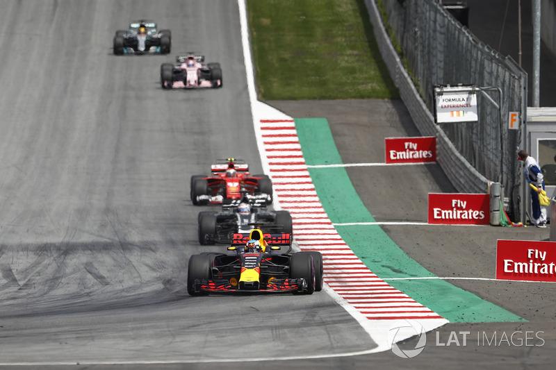 Даніель Рккардо, Red Bull Racing RB13, Ромен Грожан, Haas F1 Team VF-17, Кімі Райкконен, Ferrari SF7