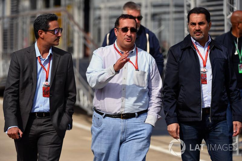 El Jeque Mohammed bin Essa Al Khalifa, Director Ejecutivo de la Junta de desarrollo económico de Bahrein y accionista de McLaren