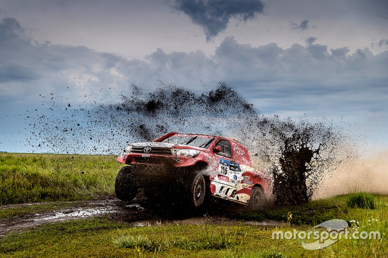 #116 Toyota Hilux: Yong Zhou, Pascal Maimon