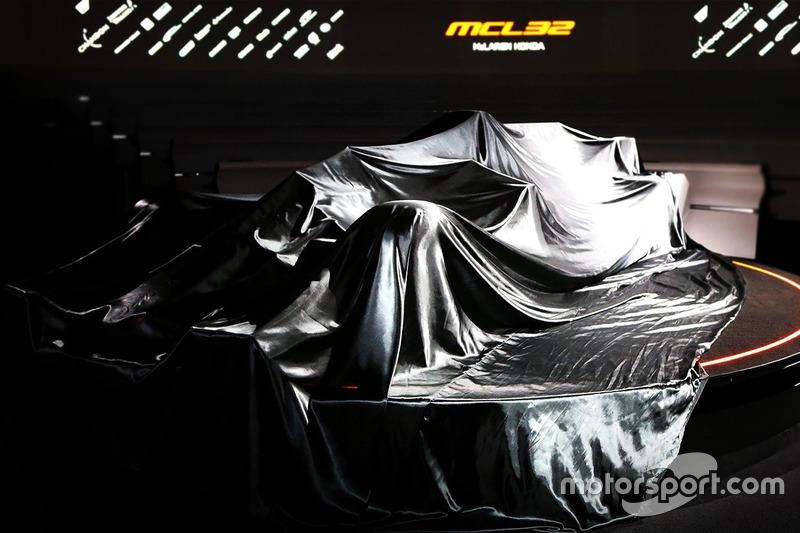 Der abgedeckte McLaren MCL32