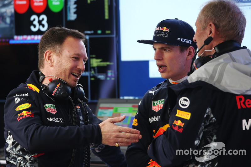 Director del equipo Christian Horner, Red Bull Racing, Max Verstappen, Red Bull Racing y Helmut Mark