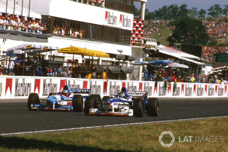 Damon Hill, Arrows A18 Yamaha, Gerhard Berger, Benetton B197 Renault