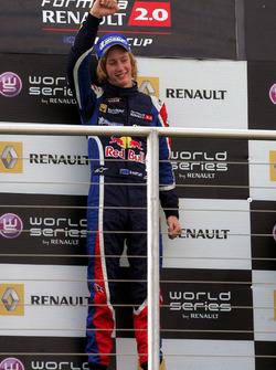 Podio: il vincitore della gara Brendon Hartley, Epsilon Red Bull Team