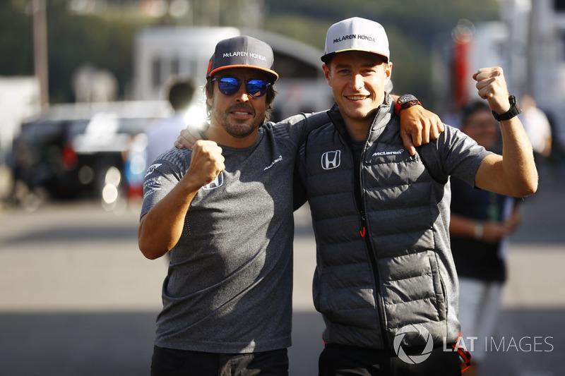 <p> McLaren </p> <p> Media de edad: 30.5 años </p><p> Suma de edad: 61 años </p>