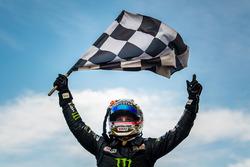 Race winner Cameron Waters, Prodrive Racing Australia Ford