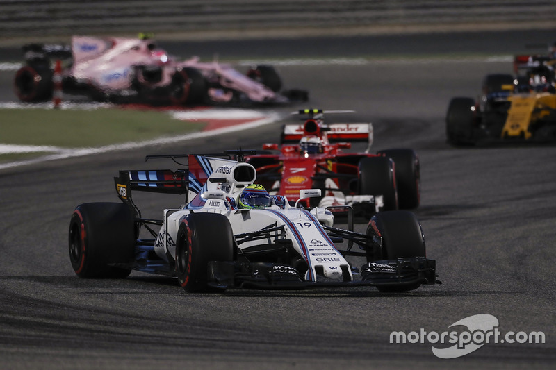 Felipe Massa, Williams FW40, Kimi Raikkonen, Ferrari SF70H