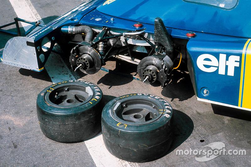 les roues avant de la tyrrell p34 ford grand prix de grande bretagne photos formule 1. Black Bedroom Furniture Sets. Home Design Ideas