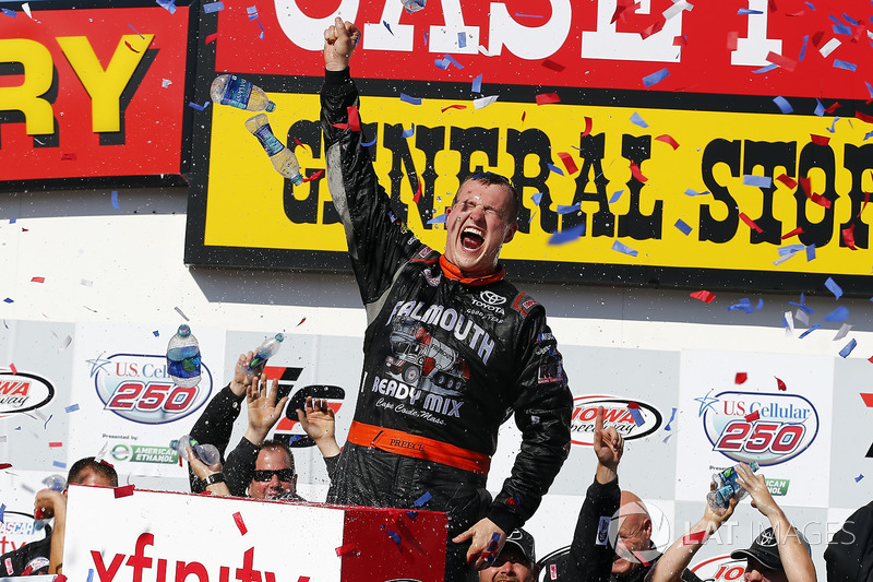 Ganador de la carrera Ryan Preece, Joe Gibbs Racing Toyota
