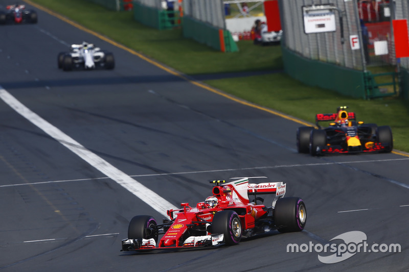 Kimi Räikkönen, Ferrari, SF70H; Max Verstappen, Red Bull Racing, RB13; Felipe Massa, Williams, FW40