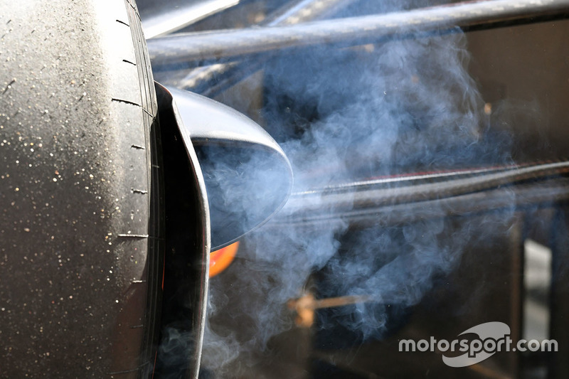 Smoking brake on Red Bull Racing RB13