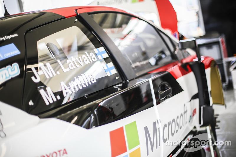 Toyota Yaris WRC, Toyota Racing: Seitenansicht