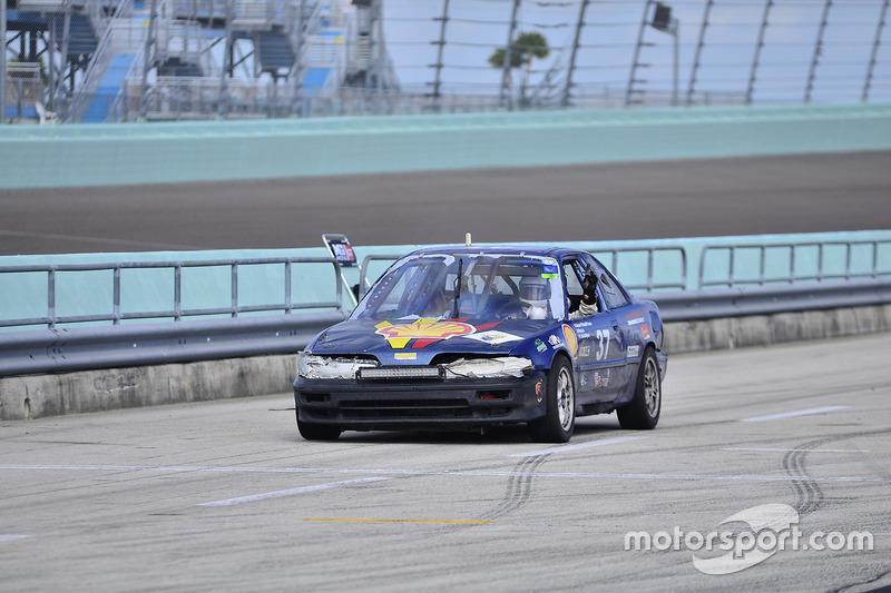#37 MP4C Acura Integra of Herbert Gomez of Scuderia Shell Burbank