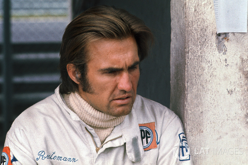 """Carlos Reutemann: """"Sempre me perguntaram se eu tinha algum ídolo, e o Reutemann é uma pessoa que sempre admirei muito. Não sei se é por causa da época que ele correu com meu pai na Brabham, mas sempre estávamos juntos. Me lembro dele autografando meu Guia da F1 em um dos testes de pneus de Jacarepaguá até hoje."""""""
