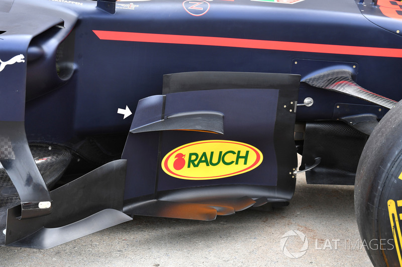 Red Bull Racing RB13, detail van de zijkant