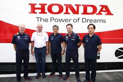 Adrian Newey, Teknik Şefi, Red Bull Racing, Helmut Markko, Danışman, Red Bull Racing, Masashi Yamamoto, Genel müdür, Honda Motorsport, Christian Horner, Takım Patronu, Red Bull Racing, Toyoharu Tanabe, F1 Teknik Direktörü, Honda