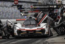 #7 Acura Team Penske Acura DPi, P: Helio Castroneves, Ricky Taylor, Graham Rahal au stand