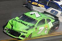 Crash: Danica Patrick, Premium Motorsports Chevrolet Camaro