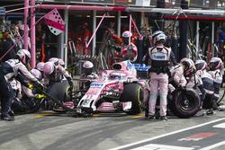 Sergio Perez, Force India VJM11, makes a stop