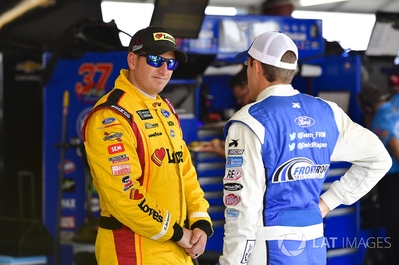 Michael McDowell, Front Row Motorsports, Ford Fusion Love's Travel Stops, David Ragan, Front Row Motorsports, Ford Fusion