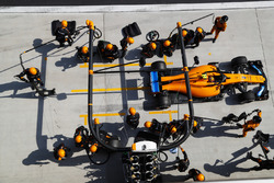 Stoffel Vandoorne, McLaren MCL33 Renault, leaves his pit box after a stop