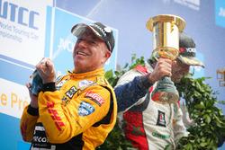 Podio: Tom Coronel, Roal Motorsport, Chevrolet RML Cruze TC1