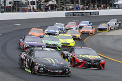 Kurt Busch, Stewart-Haas Racing, Ford Fusion Monster Energy / Haas Automation and Martin Truex Jr., Furniture Row Racing, Toyota Camry 5-hour ENERGY/Bass Pro Shops