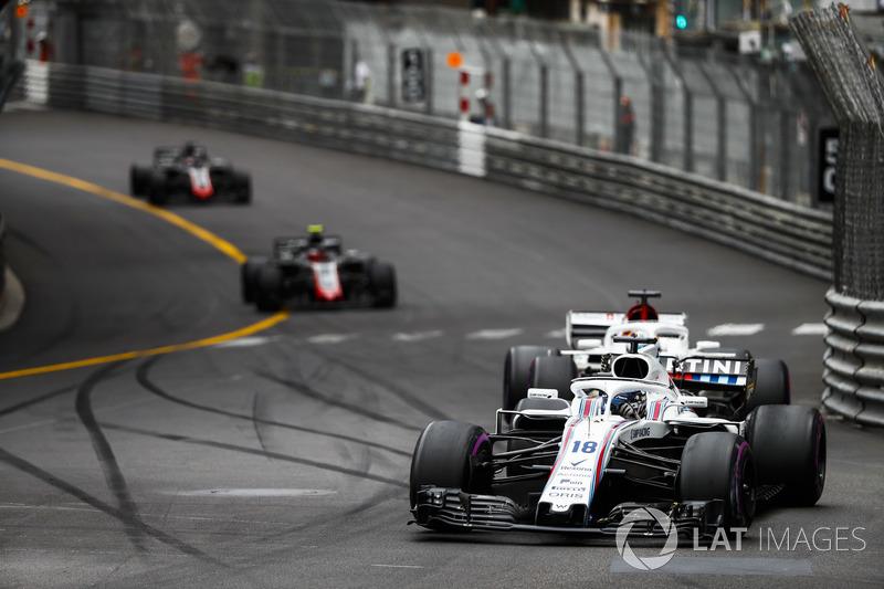 Lance Stroll, Williams FW41, Marcus Ericsson, Sauber C37, Kevin Magnussen, Haas F1 Team VF-18, y Romain Grosjean, Haas F1 Team VF-18