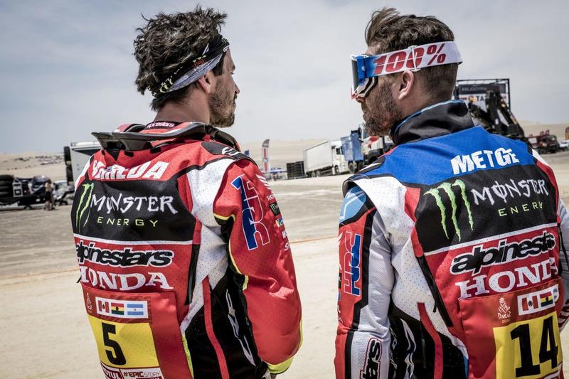 #5 Monster Energy Honda Team Honda: Joan Barreda, #14 Monster Energy Honda Team Honda: Michael Metge