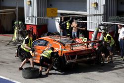 Pit stop, #33 Car Collection Motorsport Audi R8 LMS: Dirg Parhofer, Dimitri Parhofer, Rémi Terrail, Ali Çapan, Frank Stippler