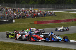 Tony Kanaan, A.J. Foyt Enterprises Chevrolet, Takuma Sato, Rahal Letterman Lanigan Racing Honda