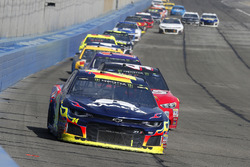 William Byron, Hendrick Motorsports, Chevrolet Camaro AXALTA and Kurt Busch, Stewart-Haas Racing, Ford Fusion Haas Automation/Monster Energy
