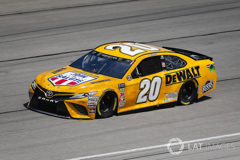 9. Erik Jones, Joe Gibbs Racing, Toyota Camry DeWalt