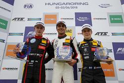 Rookie Podium: Winnner Enaam Ahmed, Hitech Bullfrog GP Dallara F317 - Mercedes-Benz, second place Jü