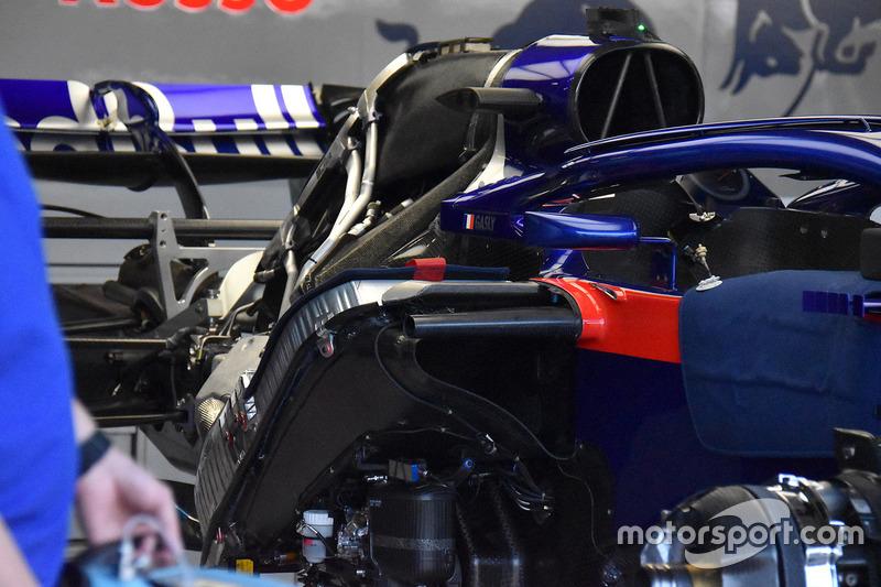 Scuderia Toro Rosso STR13, dettaglio del motore