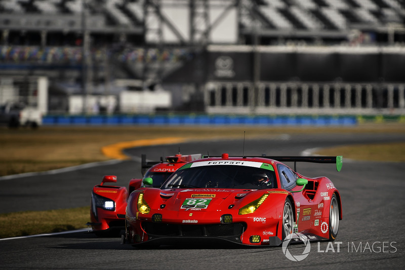 #82 Risi Competizione Ferrari 488 GT3, GTD: Рікардо Перес де Лара, Мартін Фуентес, Сантьяго Кріл, Мігель Моліна, Метт Гріффін