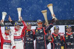 Podio: los ganadores del Rally de Suecia Thierry Neuville, Nicolas Gilsoul, Hyundai Motorsport, el segundo clasificao Craig Breen, Scott Martin, Citroën World Rally Team, y el tercero Andreas Mikkelsen, Anders Jäger, Hyundai Motorsport