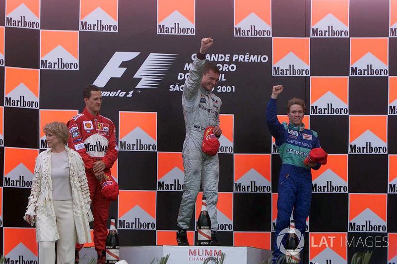 El podio: Michael Schumacher, David Coulthard y Nick Heidfeld