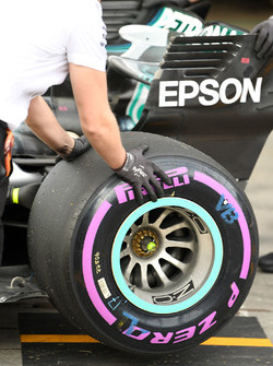 Mercedes-AMG F1 W09 EQ Power+ rear wheel
