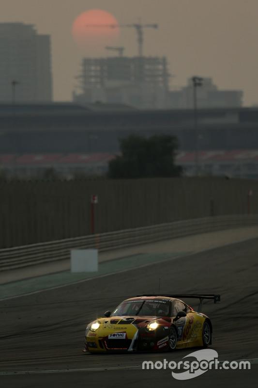 #76 Imsa Performance Porsche 991 GT3 R: Raymond Narac, Thierry Cornac, Maxime Jousse, Mathieu Jaminet