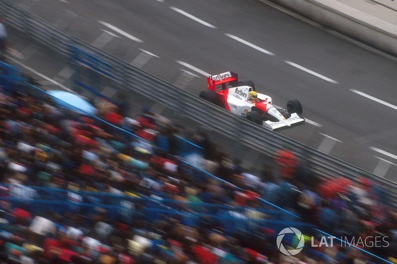 Как и годом ранее, Сенна лидировал на протяжении всей дистанции гонки