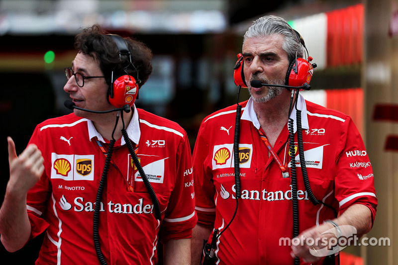 Mattia Binotto, Ferrari, Technikchef; Maurizio Arrivabene, Ferrari-Teamchef