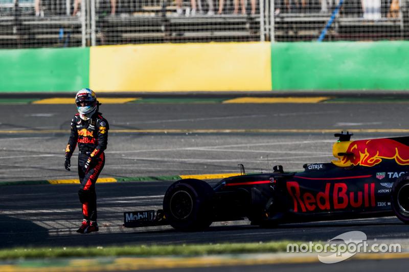 Daniel Ricciardo, Abandono