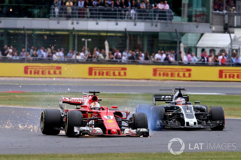 Nas voltas finais, Sebastian Vettel teve o pneu dianteiro esquerdo furado, mesmo assim, ele terminou em sétimo.